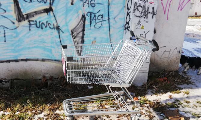 Fotopostřeh: Parkoviště košíků