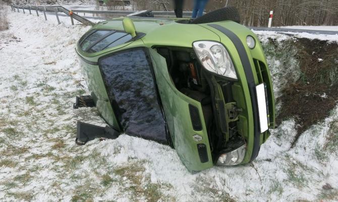 Zima na silnicích ještě neskončila. Stále je nutná zvýšená opatrnost