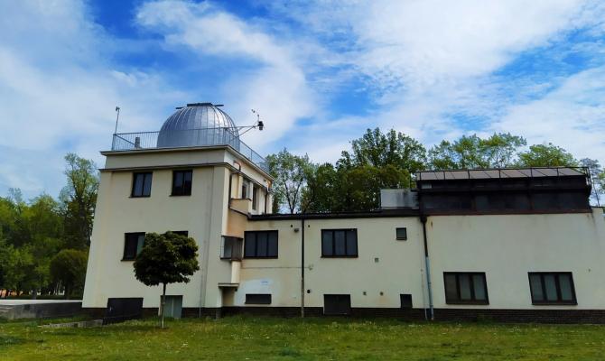 Prostějovská hvězdárna slaví šedesátiny. Budovu ozdobí umělecká malba