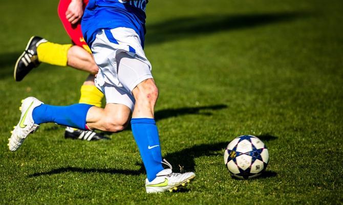 Fanoušci již opět mohou na fotbal. Ale s omezením